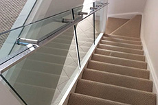 glass staircase balustrade with handrail
