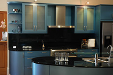 black glass kitchen splashback